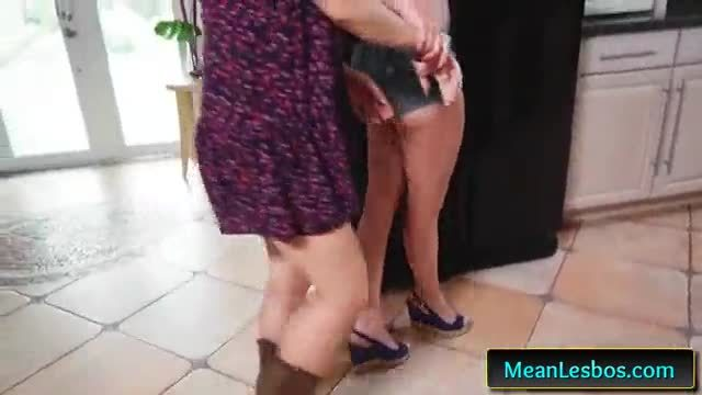 We live together with farmers market sluts with quinn wilde and rina ellis 01