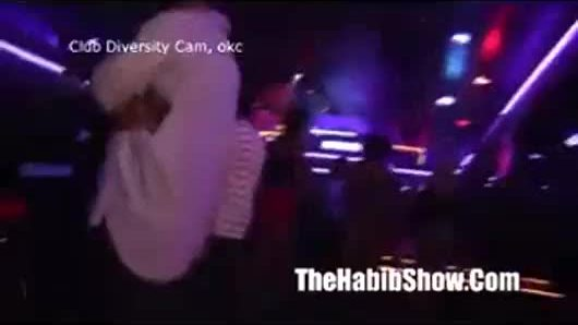 Twirk that ass at the hood club p2